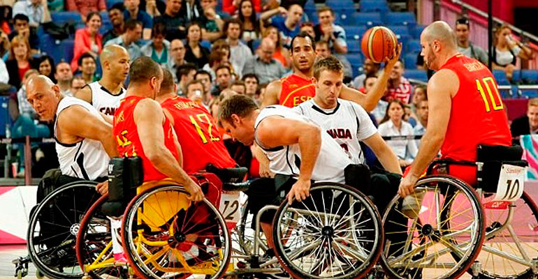 Basket en silla de ruedas