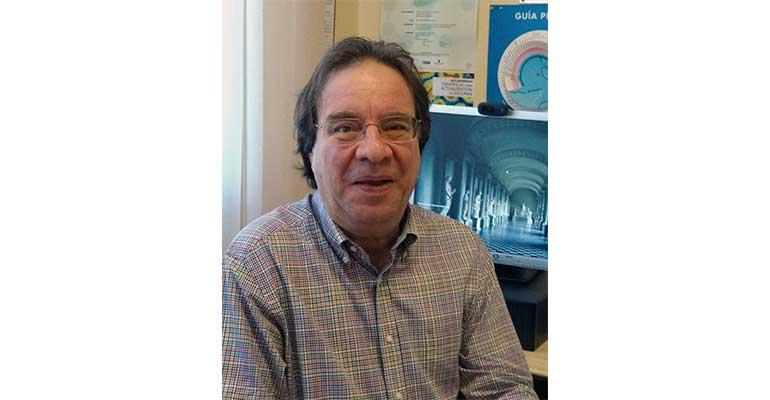 Dr. Amos García Rojas, presidente de la Asociación Española de Vacunología (AEV)