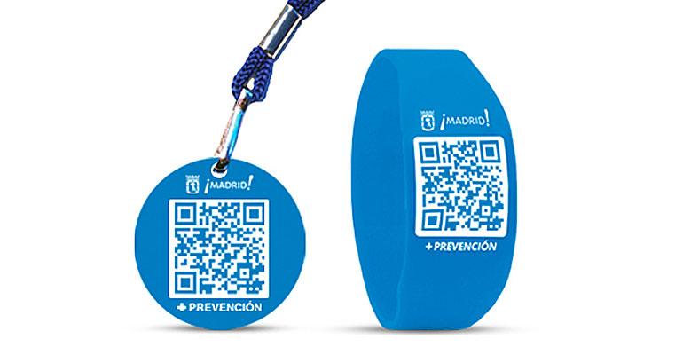 Grupo Adavir incorpora pulseras con códigos QR para sus mayores del centro de día