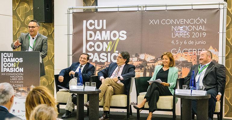 La XVI Convención Nacional de Lares lidera la preocupación por el futuro de los cuidados a largo plazo