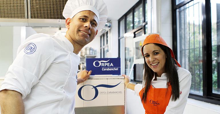 Los ganadores, Yuri Mompié y Reyes Mata, cocinero y directora de Orpea Carabanchel