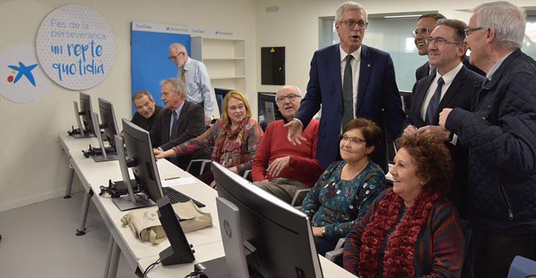 """""""la Caixa"""" inaugura un innovador centro de personas mayores en Tarragona"""