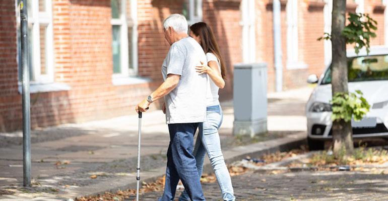 Los 6 perfiles socio-sanitarios más demandados por las personas mayores