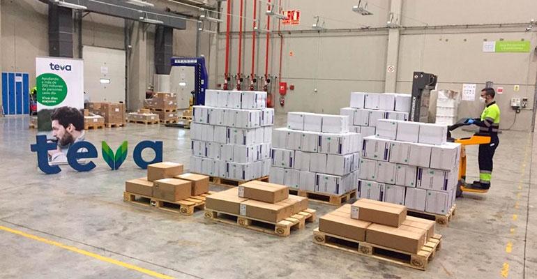 TEVA dona 15.000 mascarillas y 7.000 batas para proteger a los profesionales sanitarios ante el coronavirus