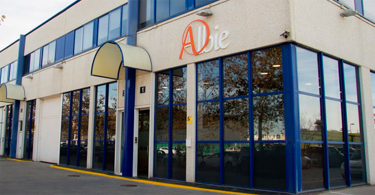 Albie renueva su imagen y su página web
