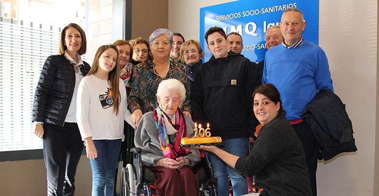 Una residente celebra su 106 cumpleaños en la residencia Bilbozar