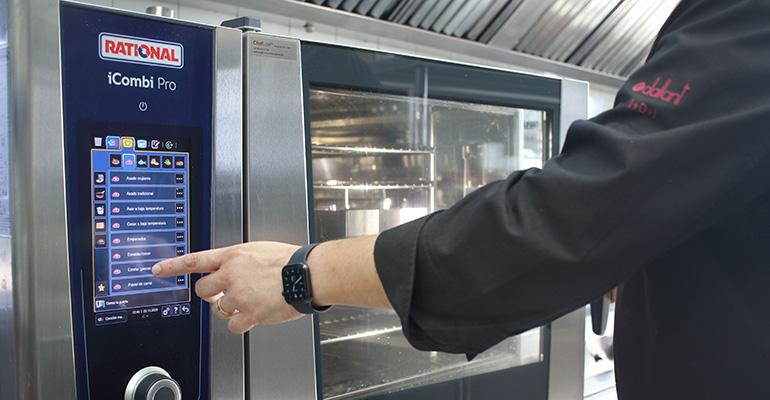 El Restaurante Sol Blanc de Pals se pasa a la comida para llevar y delivery con Rational